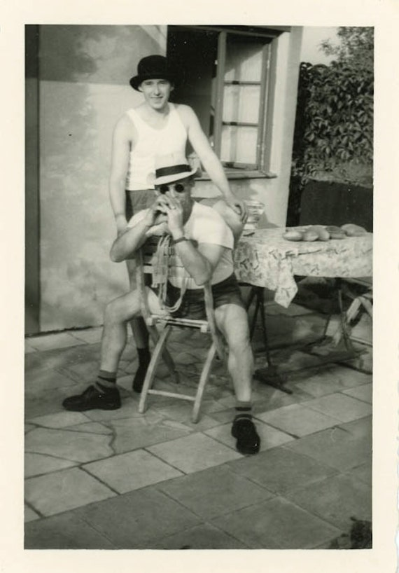 "Vintage Photo ""Hanging Out"", Photography, Paper Ephemera, Snapshot, Old Photo, Collectibles - JG001"