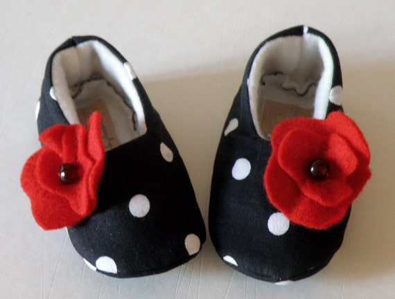 Baby girl Shoes, made of pure cotton and soft fleece, sweet gift idea for Christmas