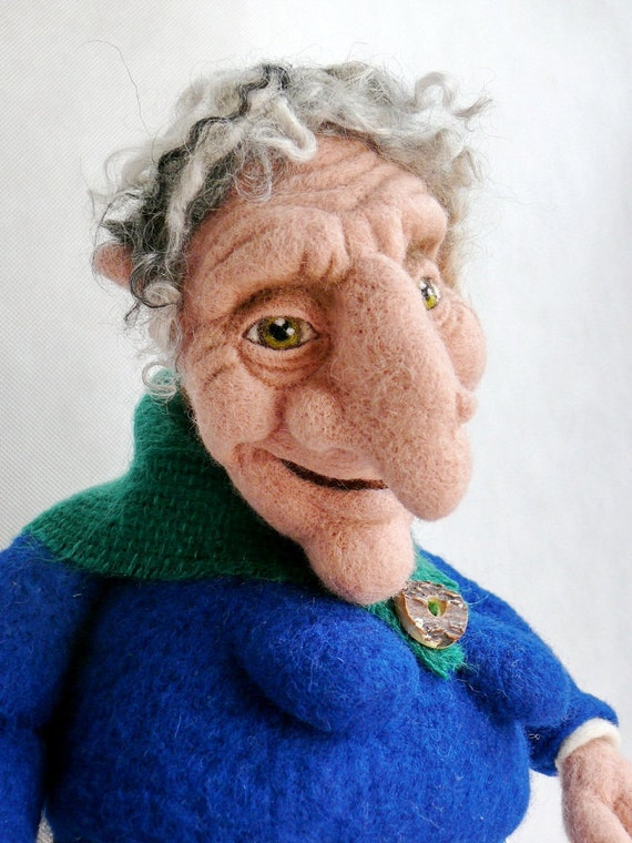 A Fairy Tale Grandma - Needle Felted sculpture / 1st Place on the International Felting Contest / Free Worldwide Shipping