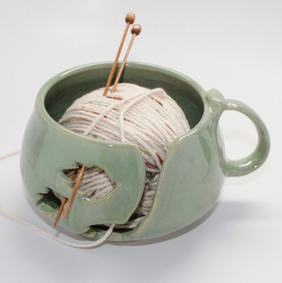 Yarn Bowl in Soft Spring Green with a Handle