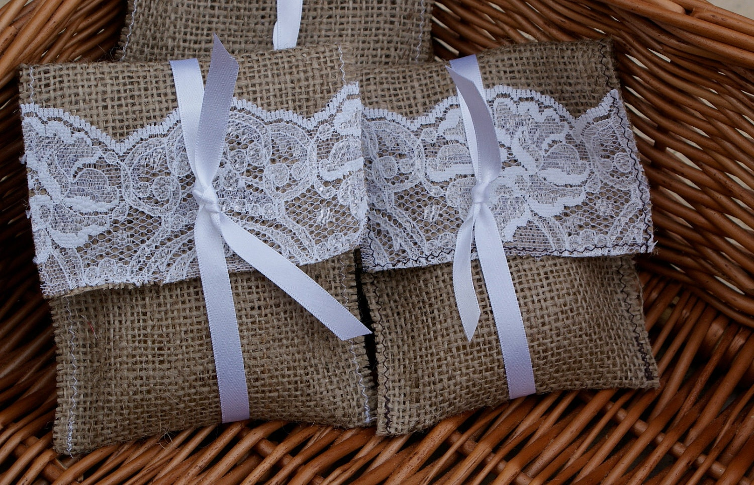 sample lace and burlap favor bag