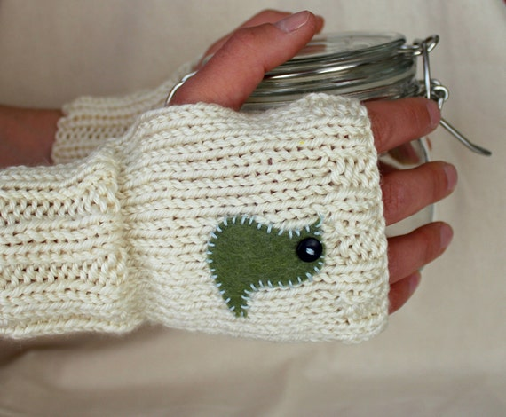 Little Bird Fingerless Gloves in Cream - Ready to Ship