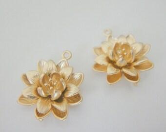 Matte gold cherry blossom flower orchid connectors, pendant, charm ,2 pc, K210728