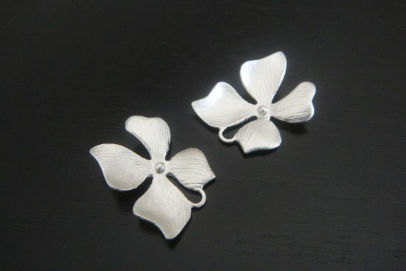 Wholesale Supplies Silver Orchid Flower Star  Connector, Earring Findings, setting, connector, pendants 2 pc D69902
