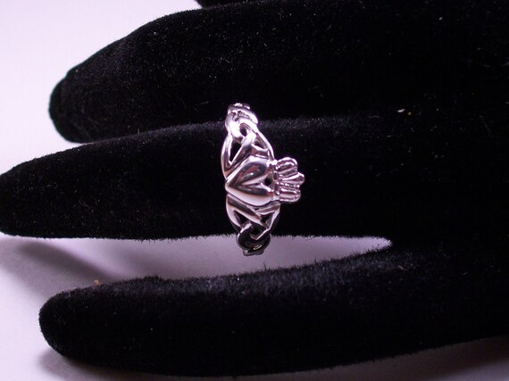 claddagh ring in argentium silver