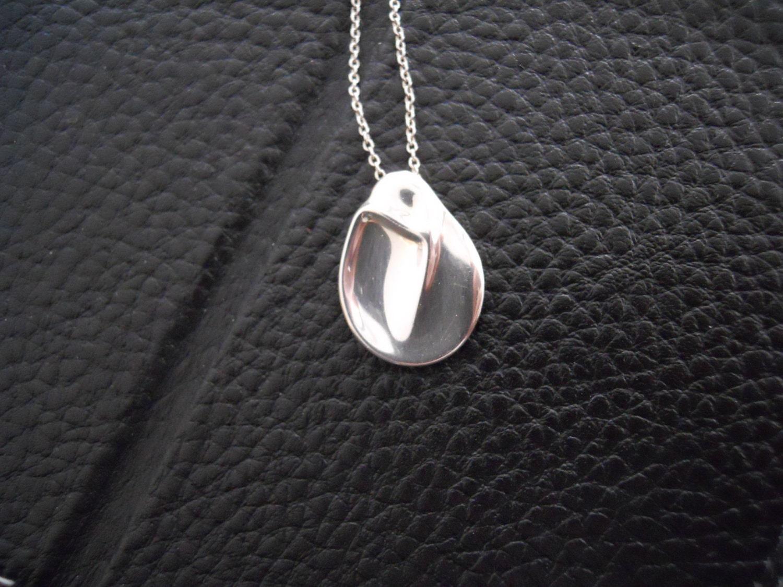 Tiffany co elsa peretti madonna pendant and chain for New mom jewelry tiffany