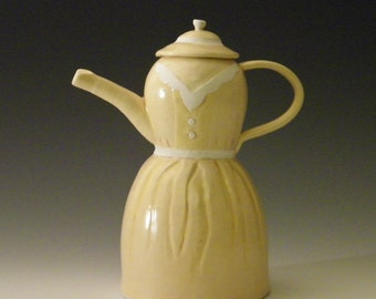Dress Teapot in Soft Yellow and White