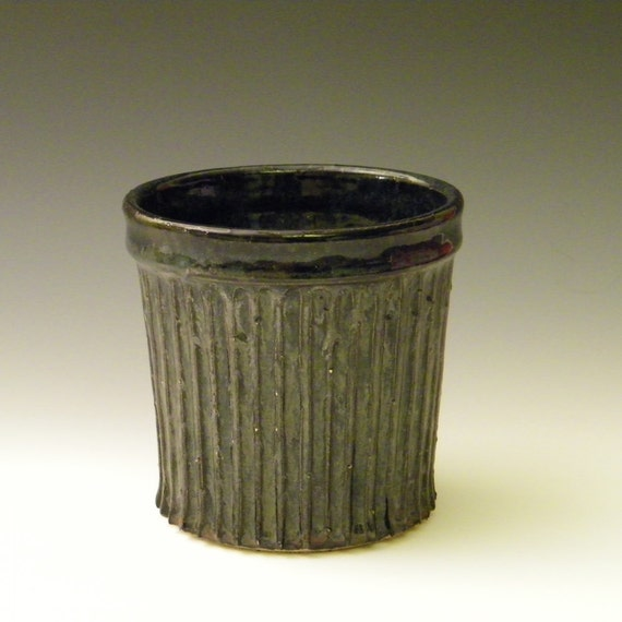 Waterfall Brown Utensil Holder on Speckled Clay