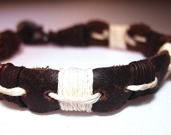Leather and linen bracelet