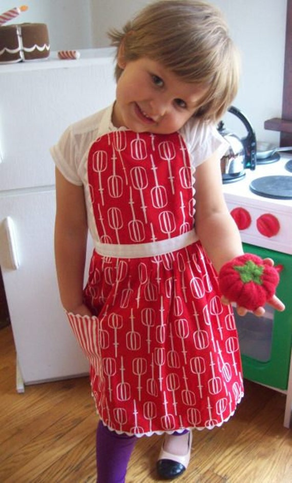 Kids Apron, Red & White Apron, Toddler Apron age 1-6 years