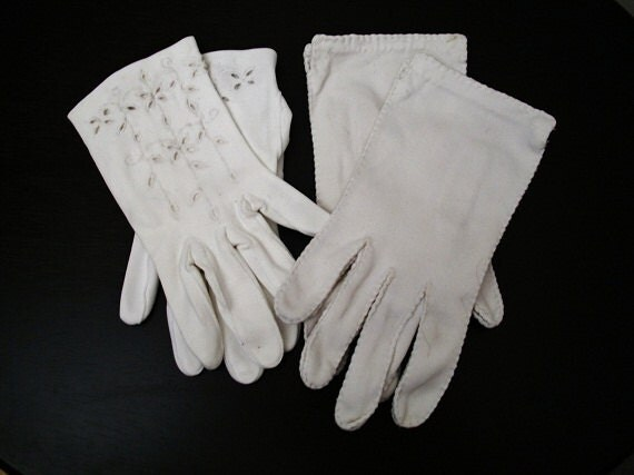 Vintage White Gloves - Pair of Little Girls - 1950s - TREASURY PICK