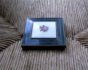 Gorgeous Black Rose Mirror Compact