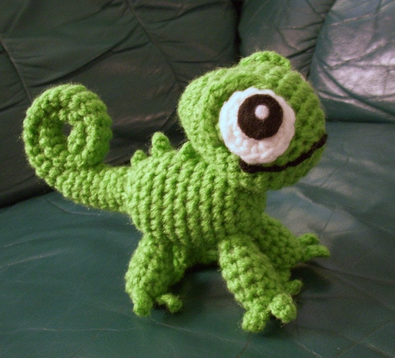 Pascal the Chameleon Crocheted Plushie by HappySquidMuffin