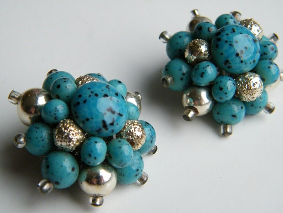 Vintage 1960s Clip On Earrings / Turquoise and Silver Jewelry