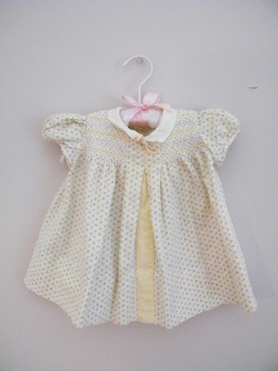 Vintage 1940s Yellow Baby Dress -- 6 to 9 Months -- Tiny Flowers and Smocking -- Nannette Babe Frock