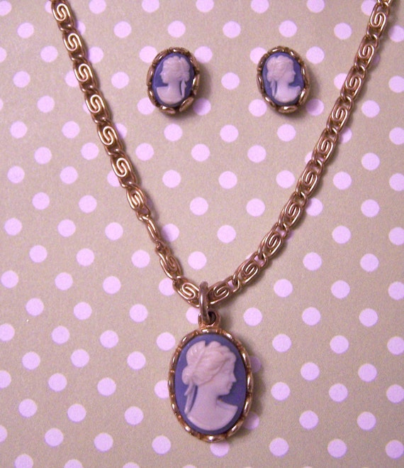 Vintage Blue Cameo Pendant And Earrings Avon
