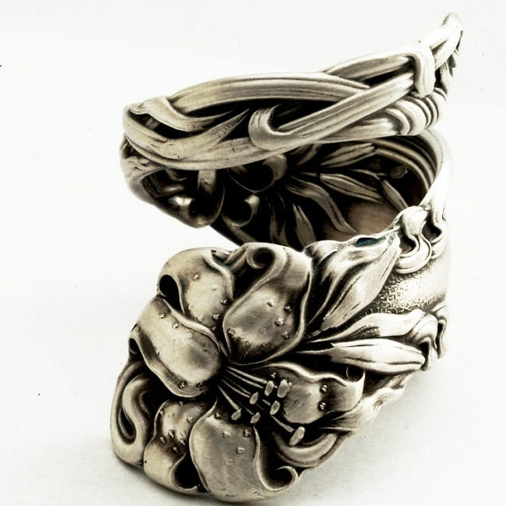 Spoon Ring Lovely Frontenac Victorian Era Sterling Ring, Lily Pattern Made in YOUR size (1984)