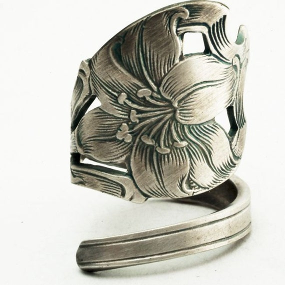 Spoon Ring Art Nouveau Hand Engraved Lily Sterling Silver, Handmade to your size (2315)