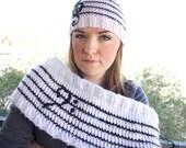 Infinity scarf - UNWRITTEN - Hand Knit Bass Clef Sheet Music