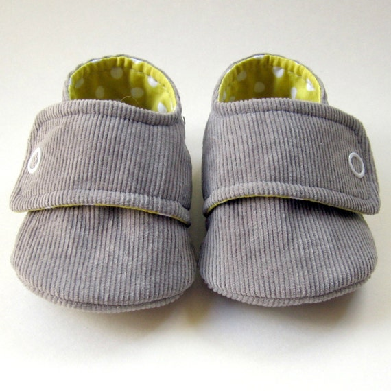 Baby Booties in Gray Corduroy and Yellow  Polka-Dot Cotton - Sizes 1-4