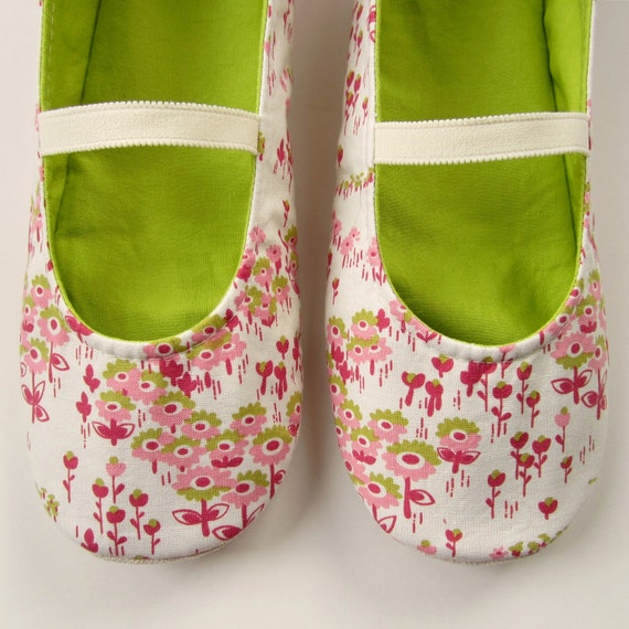 SALE - Womens Slippers - Mary Jane Slippers in White, Berry, Pink, and Lime - Size 7