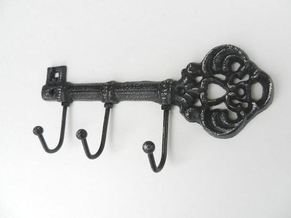 Antique Style Skeleton Key, Shabby Chic, Antique Decor wall hanger, Chippy Paint, Historical Hardware, Primitive Decor, Vintage Style