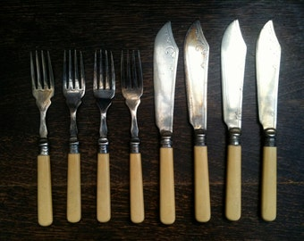 Vintage English Forks and Fish Knives Cutlery Set of 4 circa 1920's / English Shop