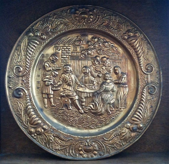 Vintage English Large Gold Coloured Wall Decor Plate Pub Inn Meal Scene circa 1960's / English Shop