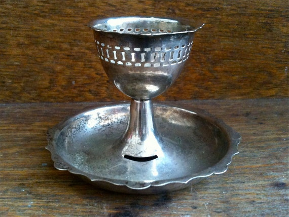 Vintage English Egg Cup / English Shop