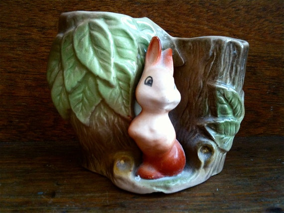 Vintage English Tree Stump and Bunny Vase Ornament Figurine Gift circa 1960's / English Shop
