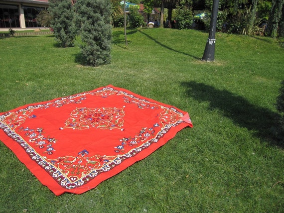 Coral red square Tablecloth daisy floral tile print Ottoman Picnic Park Beach Yard Camp Yoga cloth Turkish traditional Hand woven