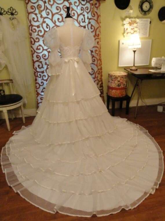 Vintage wedding dress 1980s small bridallure dotted swiss with for Dotted swiss wedding dress