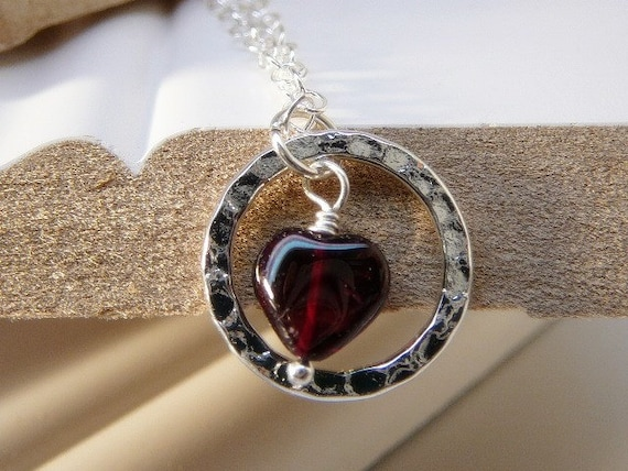Garnet gemstone heart pendant with Serling silver chain - Healing stone - January birthday necklace - Free shipping to Canada & USA