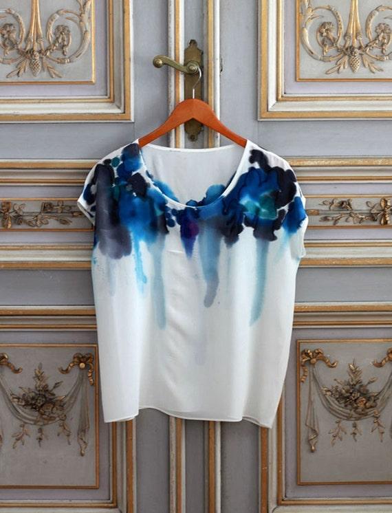 Silk Tee Inkblot Blue Feather Sample