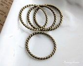 10pcs of Antiqued Bronze 26mm Twisted Ring Connector Charms Pendants Drops (No holes) 23429