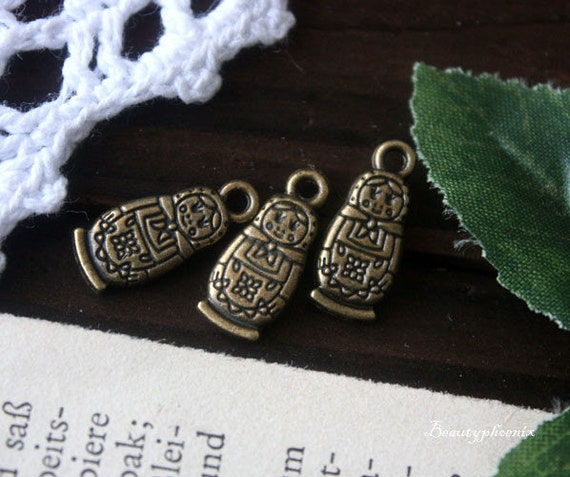 10pc of Antique Bronze Matryoshka / Babushka Ornate Russian Nesting Doll Charm Pendant Drop 22888