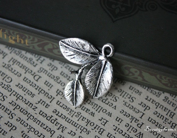 4pcs 23x23mm Antique Silver Three Leaf Charms Pendants Drops 21859