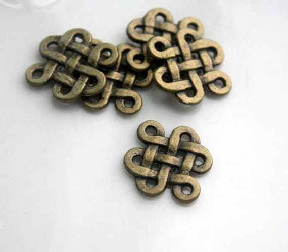 25pcs of Antique Bronze Vintage Chinese knot Charms Pendants 21405