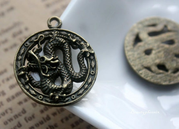 5pcs of Antique Bronze Vintage Mighty Circling Flying Dragon Charms Pendants 23mm 25517