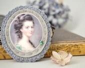 cameo portrait felt brooch - felt grey and emerald green brooch - lady portrait - wool felt - gift