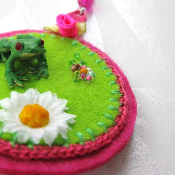 frog and daisy brooch - green and pink brooch - mixed media brooch - kitch brooch - bright brooch with frog - fun valentines day gift