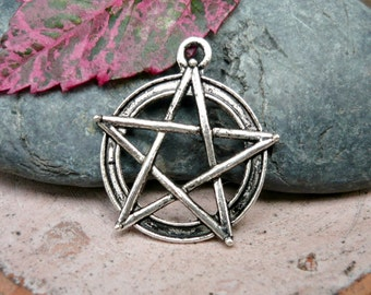 6pcs -  Wicca Pentacle antique silver metal pendant charms - 30x27mm (AS)