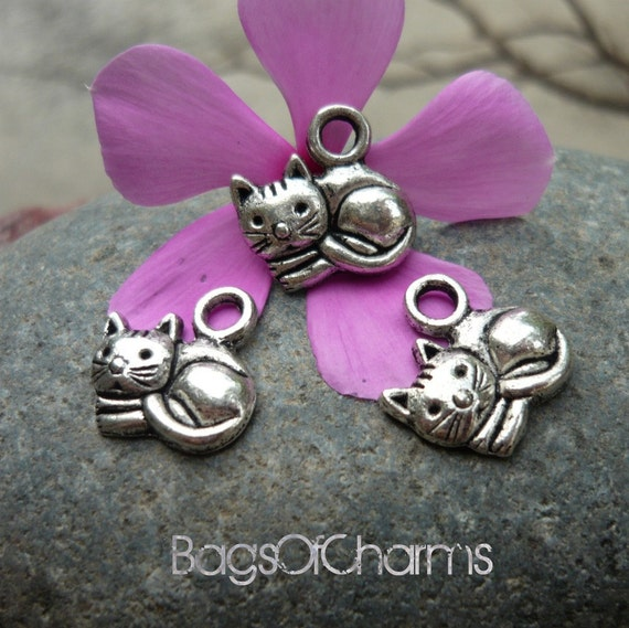 12pcs -  Cuddling Cat Charms in Antique Silver - 14x14mm