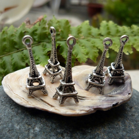 12 pcs - 3D Paris Eiffel Tower Metal Charms in Antique Silver - nickel and lead free