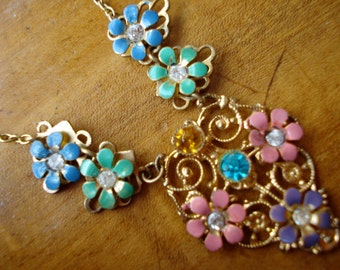 Edwardian or Art Deco Necklace Pastel Flowers 1910's 1920's