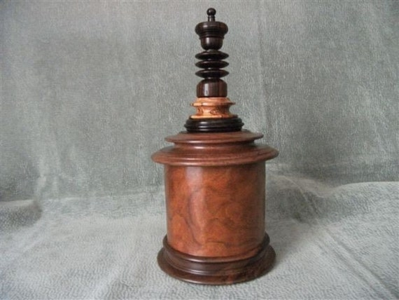 Wood Pet Urn Covered Vessel relish your loved pet after death