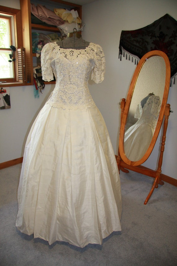 Vintage St. Pucchi THAI SILK Modest Wedding Dress Brand-New Never Worn or Altered Still with Tag Attached