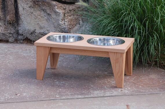 Raised Dog Bowl in Natural Oak (Medium)