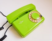 Vintage 70s dial rotary phone electric lime green white dial