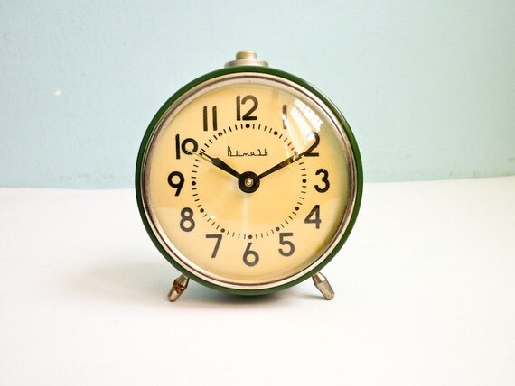 Vintage Green Alarm Clock Mechanical Wind Up Russian